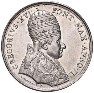 D/ Gregorio XVI (1831-1846). Medaglia anno III/1833 AG gr. 30,40 diam. 43 mm. Opus Giuseppe Girometti. Auspici di pace. Bartolotti E833. Colpetto sul bordo, più di SPL