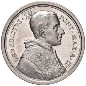 D/ Benedetto XV (1914-1922). Medaglia anno III (1917) AG diam. 44 mm. Opus Francesco Bianchi. Promulgazione del codice di Diritto canonico. Bartolotti E917. FDC
