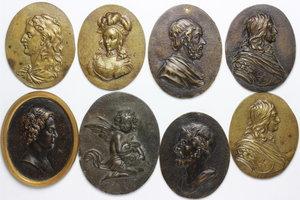 obverse:  Lotto di 8 interessanti placchette in bronzo con ritratti.     AE.      SPL.