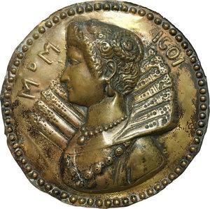obverse: Maria de  Medici, Regina di Francia (1573-1600-42). Lamina a sbalzo.  D/ M d M 1601. Busto a sinistra con gorgiera e collana.   AE.   mm. 146.00    BB.