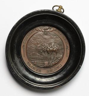 reverse: Napoleone I (1804-1814). Medaglia per il trasferimento della sepoltura in Francia il 5 Dicembre 1840. In montatura di legno con appiccagnolo (diametro 78 mm).     AE.   mm. 52.00    qSPL.