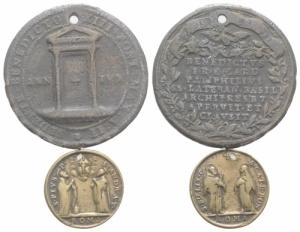 obverse: LOTTO di 2 Medaglie Papali (forate), da catalogare. (NON SI ACCETTANO RESI)