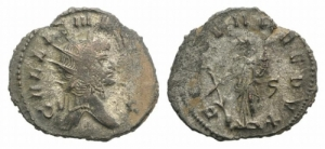D/ Gallienus (253-268). AR Antoninianus 3.21g,. Rome, 265-267.D/ Radiate head r. R/ Fortuna standing facing, head l., holding cornucopia in l. hand and rudder with r. hand; ς to r. RIC V 572. Good Very Fine