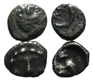 D/ Lot of 2 Greek coins, to be catalog.