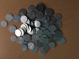 D/ Repubblica Italiana lotto di circa 100 monete da 5 e 10 lire da classificare LOT SOLD AS IS, NO RETURNS