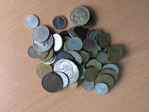 D/ Lotto di monete mondiali da classificare LOT SOLD AS IS, NO RETURNS
