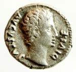 obverse: Impero Romano .Augusto. 27 a.C.- 14 d.C. Denario. Ag. Lugdunum (Lyon) 8 d.C. D/ AVGVSTVS DIVI F Testa laureata a destra. R/ C CAES, in esergo AVGVS F. Caio Cesare a cavallo al galoppo verso destra. Dietro di lui Aquila tra due Signa. RIC I 199; Lyon 69; RSC 40; BMCRE 500-502 = BMCRR Gaul 223-225; BN 1461, 1463-1465, 1469. Peso gr. 4.05. Diametro mm. 18,00. BB. Intonso.