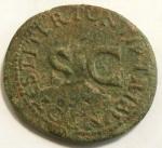 reverse: Impero Romano. Druso, figlio di Tiberio, deceduto nel 23 d.C. Asse. Ae. D/ DRVSVS CAESAR TI AVG F DIVI AVG N. Testa nuda a sinistra. R/ PONTIF TRIBVN POTEST ITER intorno a grande SC. RIC (Tib.) 45. Peso gr. 9,95. Diametro mm. 30. BB+. Patina verde. Difetto di conio al rovescio.