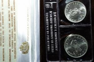 obverse: San Marino .Dittico di monete da 500 e 1.000 lire 1987. Universiadi di Zagabria. In cofanetto e scatola. Fondo specchio