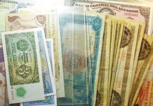 obverse: Lotti. Cartamoneta. Lotto di oltre 60 banconote mondiali molte in ottime conservazioni.S.v.