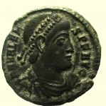 D/ Impero Romano. Valente. 364-378 d.C. Follis. Ae. : D\ D N VALENS P F AVG Busto verso destra. R\ GLORIA ROMANORVM in esergo •BSISC. RIC 5b. Peso 2,8 gr. Diametro 18,4 mm. BB+.