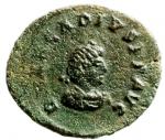 D/ Impero Romano. Arcadio. 383-408 d.C. AE 12. Siscia. D/ Busto piccolo, diademato, drappeggiato e corazzato a destra. R/ VOT / V entro corona. In esergo: ASIS. RIC 36. Peso gr. 1.20. Diametro 12 mm. Bel SPL. RR.