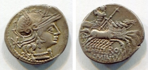 D/ Gens MINUCIA (122 a.C.). AR Denarius (3,85 gr. - 20,5 mm.). r.\: L. MINVCI. BMC 963. qSPL.