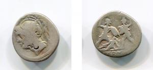 D/ Gens MINUCIA (103 a.C.). AR Denarius (3,58 gr.). r.\: Q THERM MF, contromarca al dritto di Vespasiano. A. 1402. MB.