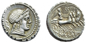 D/ NAEVIA (79 a.C.), AR Denarius (3,55 gr. - 18 mm.). R.\: C NAE BALB. BMC 2926-76. SPL+. NC. Moneta in ottima conservazione, con patina iridescente!