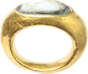 R/  Gold ring, the bezel with cameo depicting young lady. Roman period, 1st-2nd century AD. 24 mm. 4.4 g.
