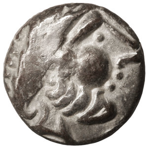 D/ Eastern Europe. Imitations of Philip II of Macedon 100 BC. Drachm. 12mm - 1,62 gr. O:\ Stylized laureate head of Zeus right. R:\ Stylized horse prancing left. OTA 204/1-2. XF
