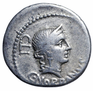 D/ Gens Norbana. C. NORBANUS 83 BC. AR DENARIUS. 3.8 gr. – 19.39 mm. O:\ C NORBANVS below, diademed head of Venus right; CLI behind. R:\ Corn ear, fasces and caduceus. Syd 739, Cr357/1b. Rare. VF/EF. The reverse type is probably an allusion to the moneyer's father and the part he played in Sicily during the Social war,when he raised troops, organised a fleet, and provisioned the town of Rhegium.