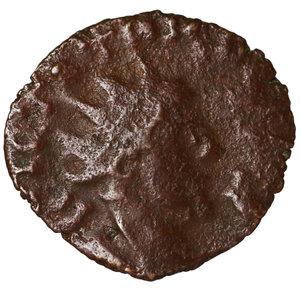 D/ Barbaric Radiates.Late 3rd century AD-5th century AD. Antoninianus. Imitating Tetricus I. Obv: Radiate bust right. Rev: PAX standing left. AE 1.85 gr. - 16,3 mm. Very fine