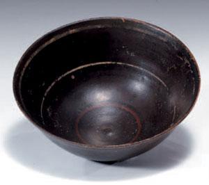 reverse:  Coppa e kylix a vernice nera Materia e tecnica: argilla fig
