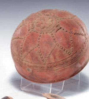 obverse:  Coppa megarese Materia e tecnica: argilla figulina camoscio