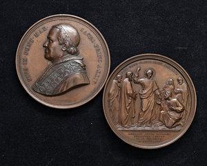 ROMA  Pio IX (1846-1878). Lotto di 2 medaglie di grande modulo (mm. 73) uguali, 1869 in bronzo. SPL.