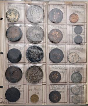 FRANCIA, TUNISIA E VARIE Album con circa 200 monete, alcune medaglie e qualche gettone.