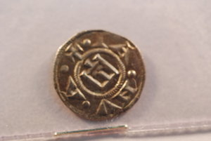 obverse: GENOVA Repubblica (1139-1339) Denaro