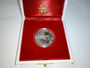 obverse: VATICANO Giov. Paolo II 500 lire 1992