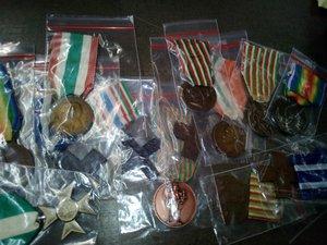 obverse: REGNO D ITALIA Lotto di 13 medaglie e croci