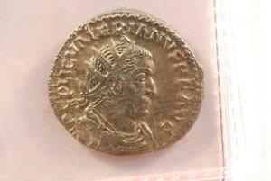obverse: VALERIANO (253-260) - Antoniniano