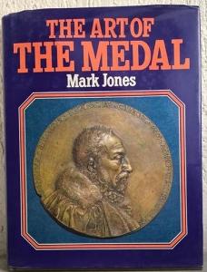 obverse: JONES M. – The art of the medal. London, 1979. pp. 192, molte ill. e ingrandimenti n. t.