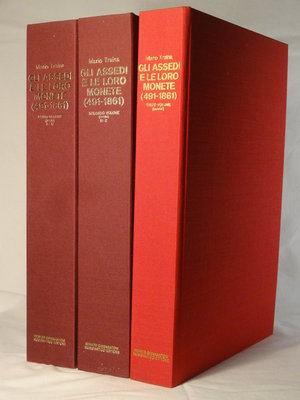 LIBRI. TRAINA M. Gli assedi e le loro Monete (491-1861) 3 Volumi. Vol I° 680 pagine testo(A-M) Vol II° 710 pagine testo (N-Z) Vol III° DXI Tavole+ 90 pag. testo. Ed. Giannantoni 1977