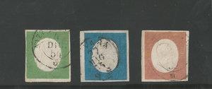 D/ FRANCOBOLLI. REGNO DI SARDEGNA. Vittorio Emanuele II (1849-59). Stati Sardi 1854, 40 centesimi rosso mattone, 20 centesimi azzurro, 5 centesimi verde. Sass.9b/8/7d.  (Cert.E.D.-Ray.- Firmati da vari periti)