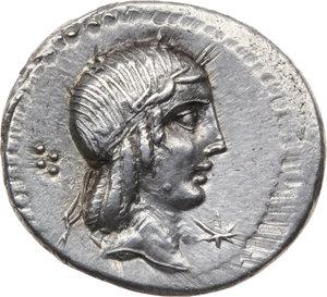D/ ROMA REP. Calpurnia. L.Calpurnius Piso Frugi (90 a.C.) Denario. D/ Testa di Apollo a d., a s. 4 globetti. R/Cavaliere a d., in basso scritta.  B.11. AR.  qFDC