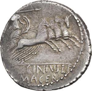 R/ ROMA REP. Licinia. C. Licinius L.f. Macer (83 a.C.) Denario. D/Busto di Vejovis a s. R/Minerva in quadriga a d. B.16/Cas.198. AR.  BB