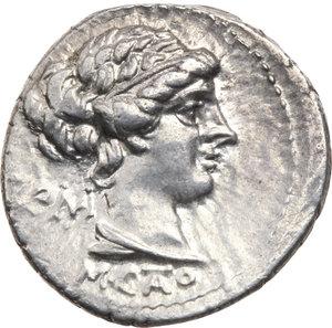 D/ ROMA REP. Porcia. M. Cato (89 a,C.) Denario, D/Busto a d. della Libertà. R/La Vittoria (Virgo) seduta a d. B.5/Cas.306. AR. qFDC