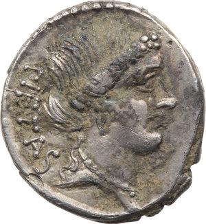 D/ ROMA REP. Postumia. Albinus Bruti f. (49-48 a.C.) Denario. D/Testa della Pietas a d. R/Due mani stringono un caduceo. B.10/Cas.316. AR. BB