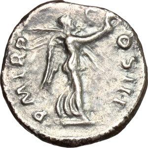 reverse: Hadrian (117-138).. AR Quinarius, 118 AD