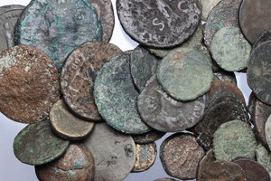 D/ Ancient World. Multiple lot of fifty (50) unclassified AE ancient coins, mostly Roman.     AE.      Fair:About F.