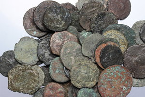 D/ Ancient World. Multiple lot of fourthy (40) unclassified AE ancient coins, mostly Roman.     AE.      Fair:About F.