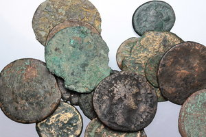 D/ Roman Empire. Multiple lot of twenty (20) unclassified AE Roman Imperial coins.     AE.      Fair:About F.