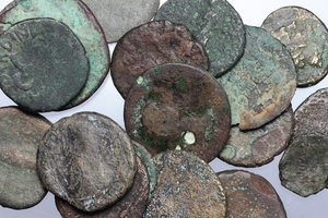 D/ Roman Empire. Multiple lot of eighteen (18) unclassified AE coins, mostly Roman Imperial issues.     AE.      Fair:About F.