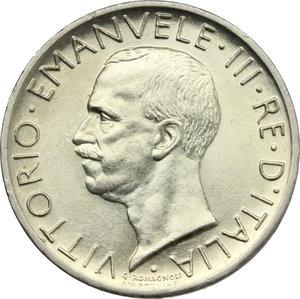 obverse: Vittorio Emanuele III (1900-1943). Lotto di 2 monete da 5 lire 1927: 1 e 2 rosette