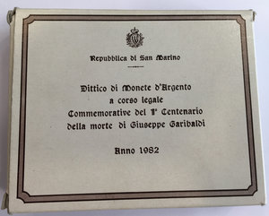reverse: San Marino. Serie di 2 monete da 500 e 1000 lire commemorative del I Centenario della morte di Giuseppe Garibaldi 1982 in confezione zecca