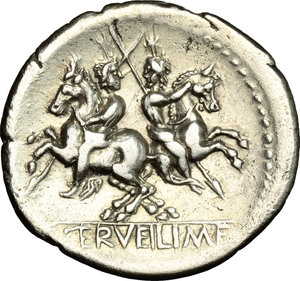 R/ C. Servilius M.f. AR Denarius, 136 BC.  D/ Head of Roma right, helmeted; behind, wreath. R/ Dioscuri galloping in opposite directions. Cr. 239/1. AR. g. 3.84  mm. 21.00    About EF/Good VF.