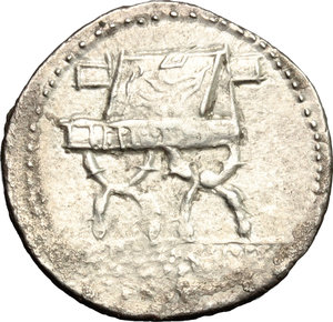 R/ P. Furius Crassipes. AR Denarius, 84 BC.  D/ Head of Cybele right, turreted; behind, foot. R/ Sella curulis. Cr. 356/1. AR. g. 3.72  mm. 21.00    VF.