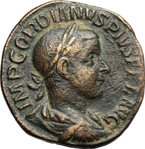 D/ Gordian III (238-244 AD). AE Sestertius, 241-244.  D/ Bust of Gordian right, laureate, draped, cuirassed. R/ Sol standing frontal, head turned left with chlamys hanging from left shoulder, right hand raised and in left holding globe. RIC 297. AE. g. 17.61  mm. 31.00   Brown patina. VF.