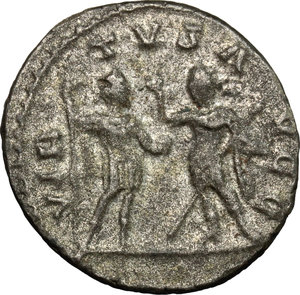 R/ Valerian I (253-260). BI Antoninianus, Antioch mint, 255-256.  D/ Bust of Valerian right, radiate, cuirassed. R/ Valerian and Gallienus standing face to face, the one holding spear and globe, the other Victoria and spear. RIC 293. BI. g. 3.76  mm. 20.00   Toned. About VF.