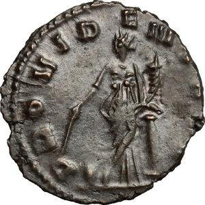 R/ Gallienus (253-268). BI Antoninianus, 257-258.  D/ Head of Gallienus right, radiate. R/ Providentia standing left, leaning on column; holding baton and cornucopiae; at her feet, globe. RIC 163. BI. g. 2.18  mm. 20.00   Dark patina. About VF/F.